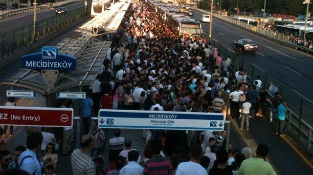 Bu fotoğrafları gördükten sonra metrobüs kalabalığına şükredeceksiniz