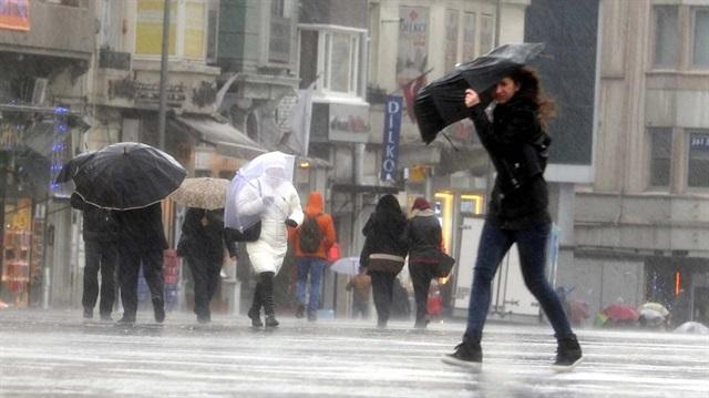 Meteoroloji açıkladı: İstanbul'a yağmur geliyor