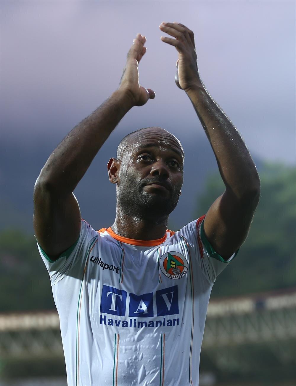 Vagner Love, Alanyaspor formasıyla şimdiye kadar çıktığı 35 maçta 30 gol attı.