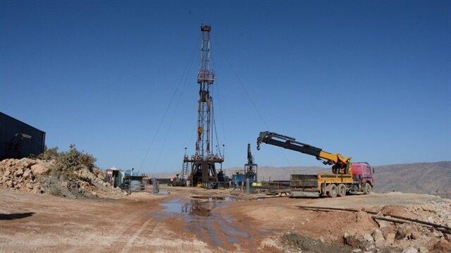 Siirt'ten petrol fışkırıyor