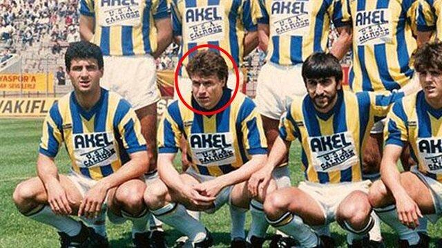 Fenerbahçe'nin eski yıldızı arkadaşlarını bıçakladı