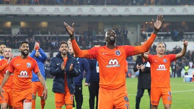 Adebayor Galatasaray maçında lig tarihine geçti