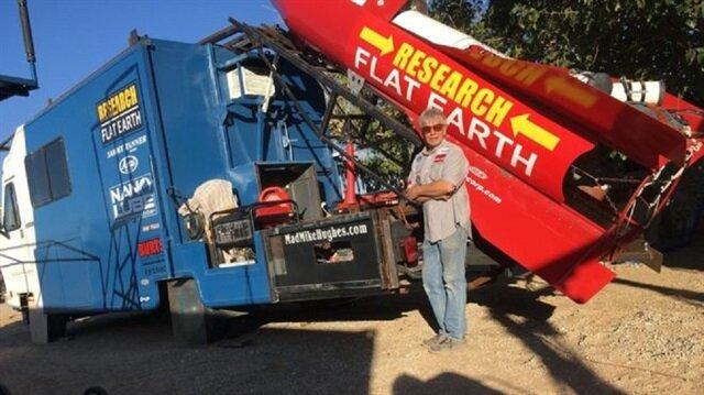 Ev yapımı roketiyle havalanarak 'dünyanın düz olduğunu' kanıtlamaya çalışacak