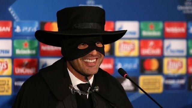 Shaktar Teknik Direktörü sözünü tuttu: Zorro kıyafeti giydi
