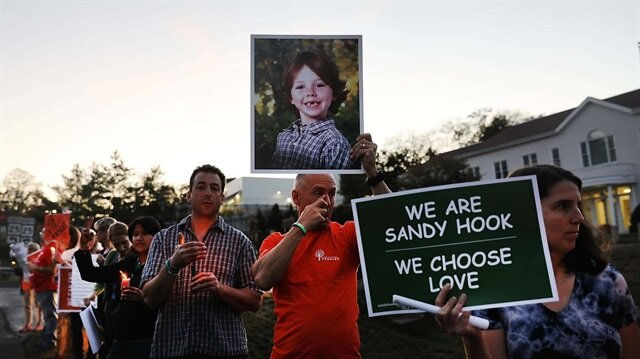 Sandy Hook katliamında ne olmuştu?