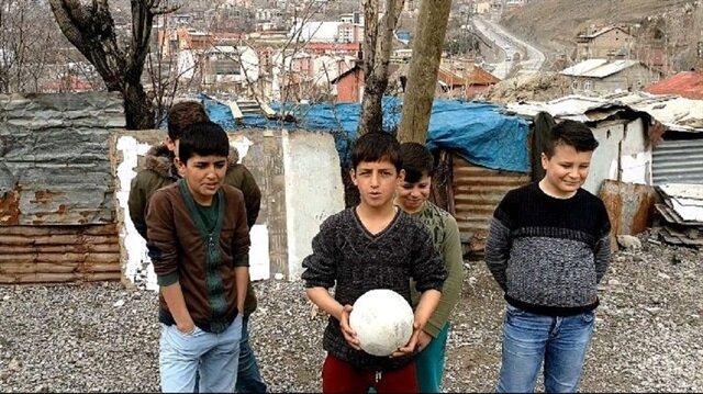 Hakkarili çocukların tek arzusu bir basketbol potası