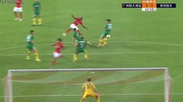 Talisca, ilk maçında attığı müthiş golle Çin'i salladı!