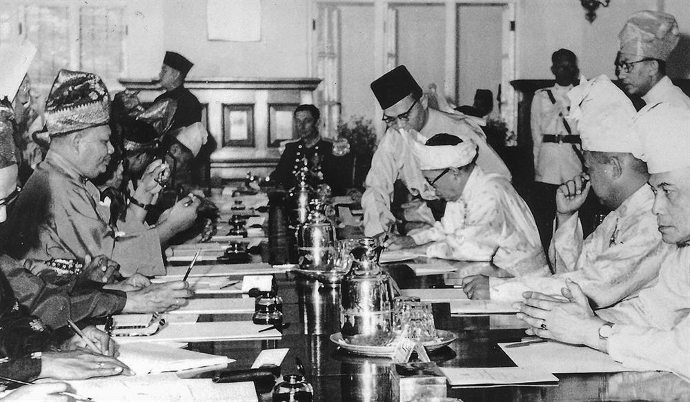 Malezya'nın bağımsızlık bildirgesinin imzalanması, 5 Ağustos 1957.