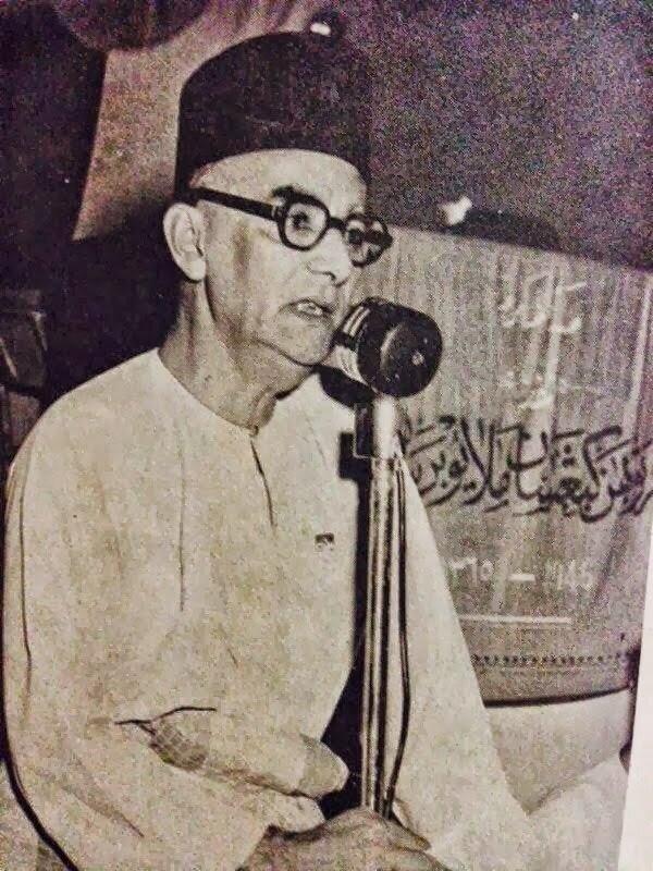 Dato Onn Jaafar, uzun yıllar emek verdiği partisinden istifa etmek durumunda kalmıştı.