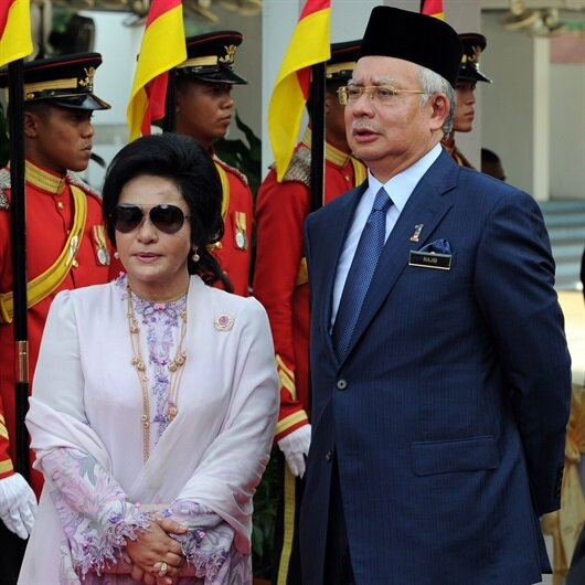 Eski başbakan Razak'a hapis