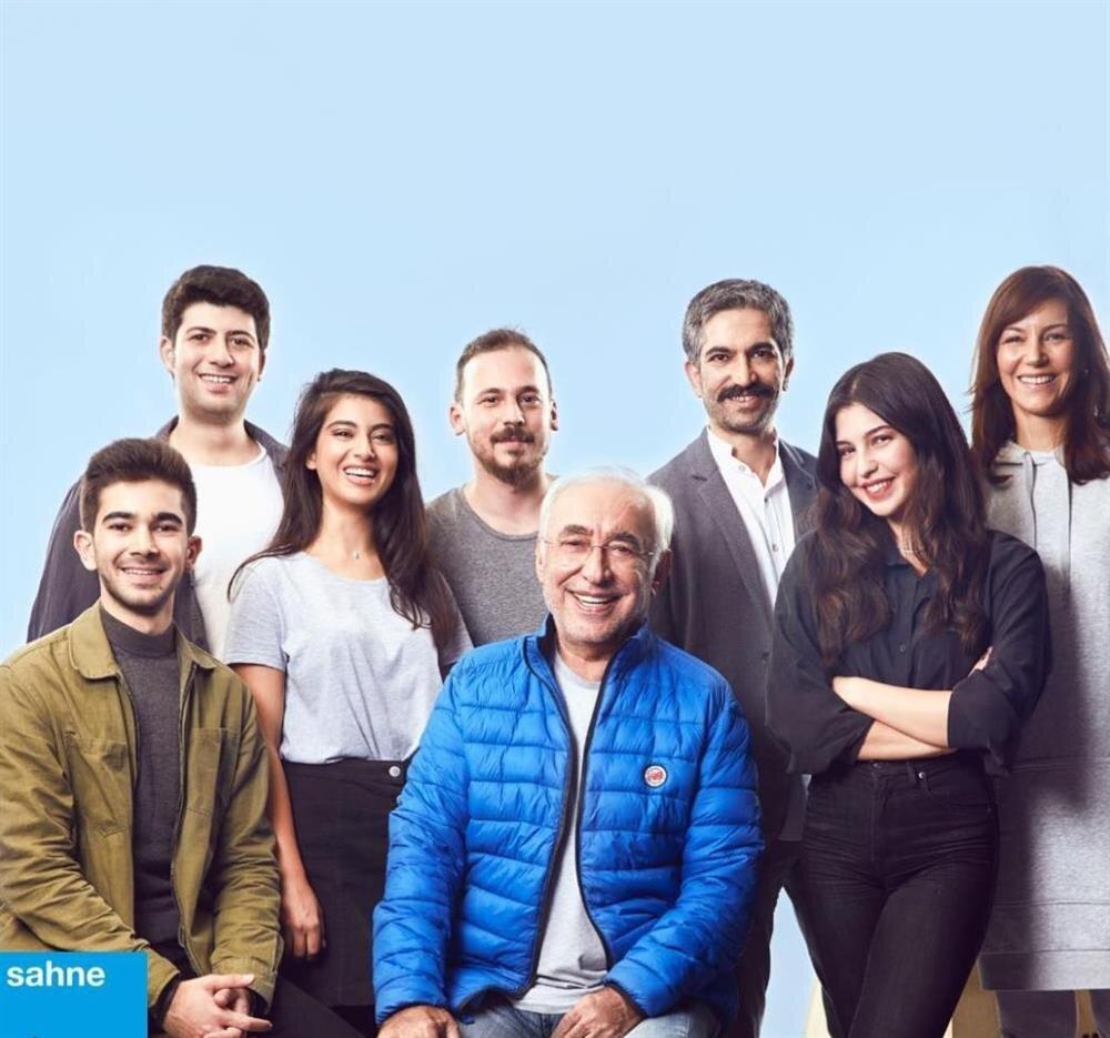 Zengin Mutfağı oyunu, Şener Şen'i başrolünde ağırlıyor