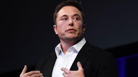 Elon Musk, Tesla yatırımcılarını manipülasyon yoluyla kandırdığı iddiasıyla Tesla'daki CEO'luk görevinden ayrılacağını açıkladı.