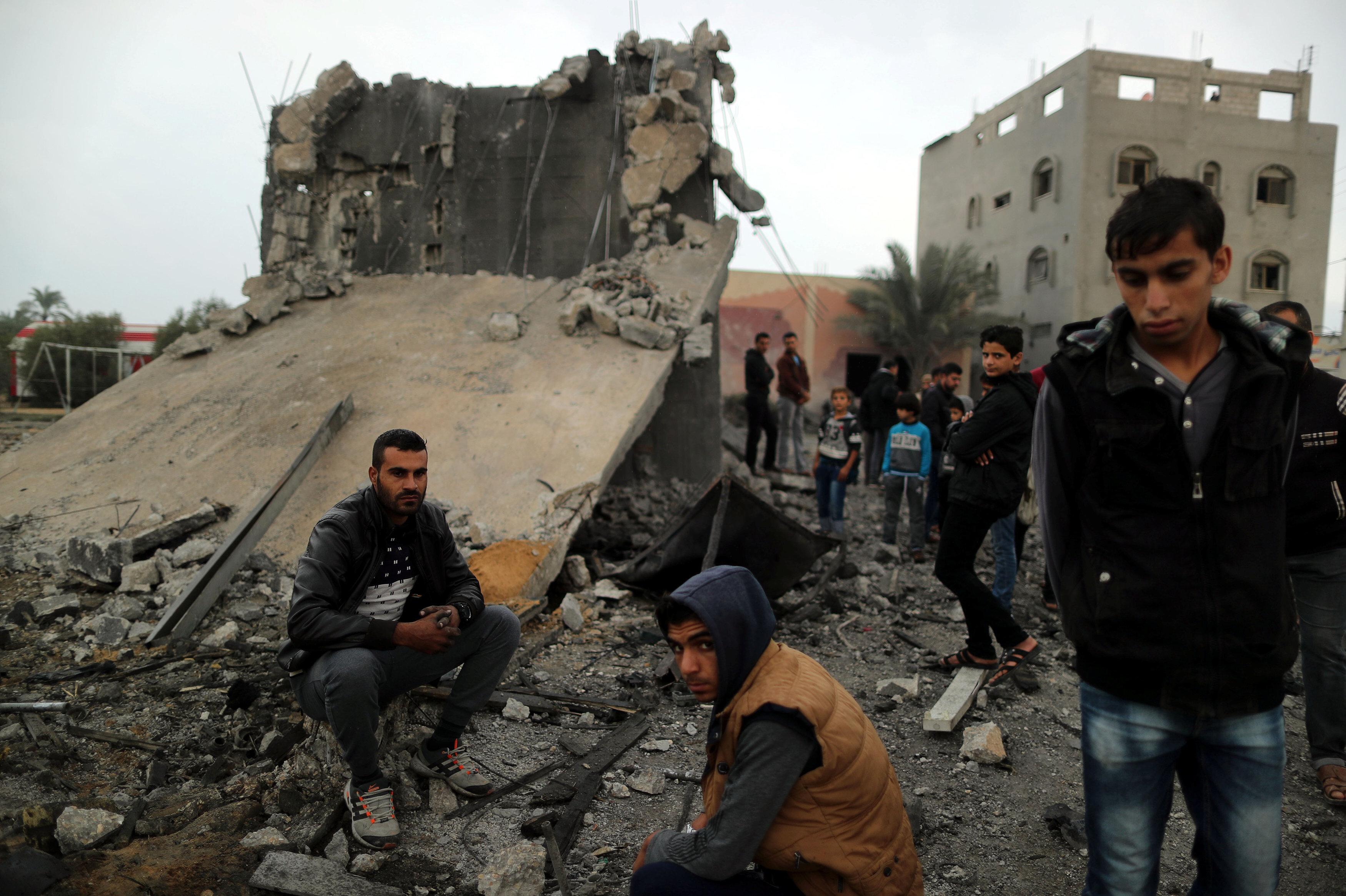 İsrail'in Gazze'ye düzenlidiği saldırı sonucunda binalar zarar gördü.