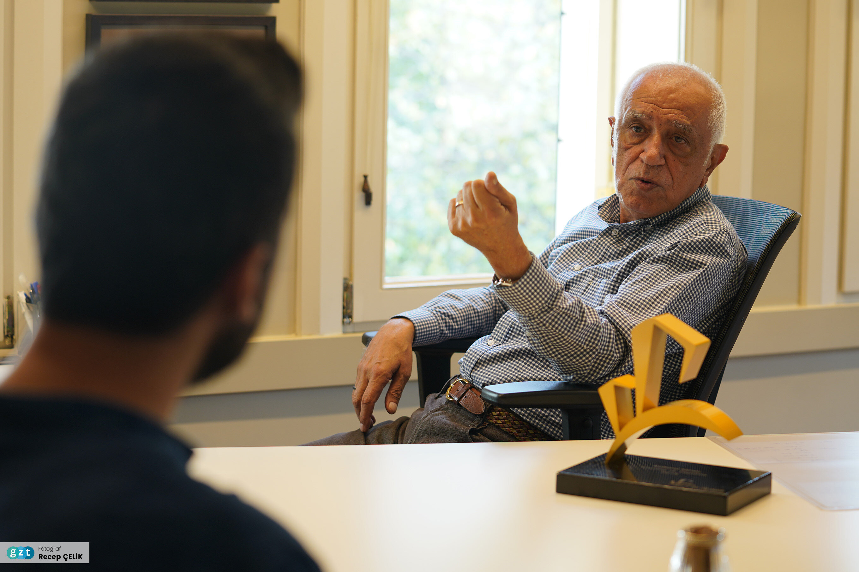 1989-1992 ve 2009-2011 İstanbul Koruma Kurulu üyesi olarak görev yaptı.