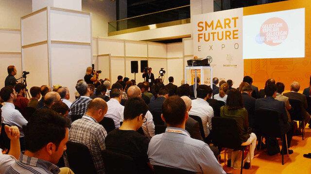 Geleceğin teknolojilerinin konuşulduğu Smart Future Expo Zirvesi devam ediyor