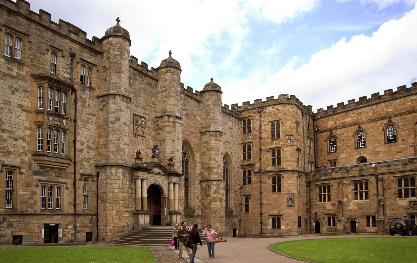 Durham Üniversitesi yönetimi, yaptığı açıklamayla hapis cezasını kınadı.