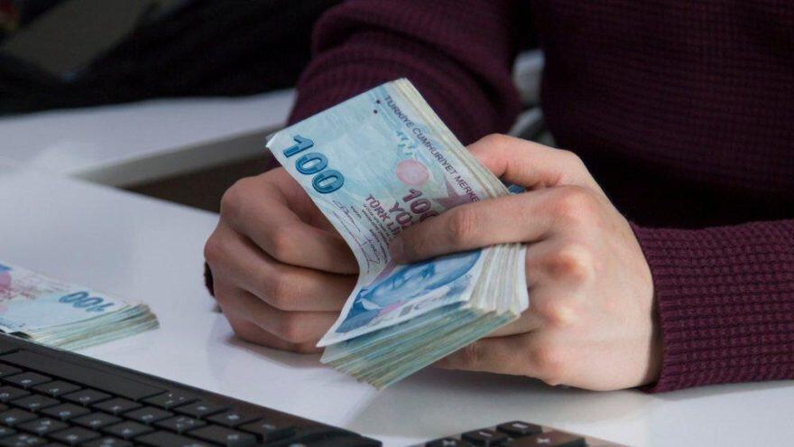 Asgari ücret yıl boyunca geçerli olmak üzere ocak ayında yüzde 20 oranında artırılırsa bekâr ücretlinin eline ayda 182.65 lira AGİ geçecek.