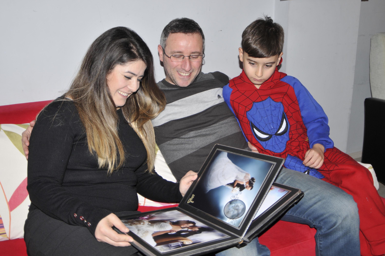 Serdar Mete'nin hafızasındaki 34 yılı silindi. Eşini, çocuğunu, evinin adresini hatırlayamayan Serdar Mete, yaşamına sıfırdan başladı.
