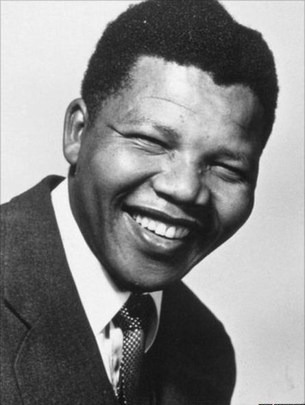 Güney Afrikalı lider Mandela, 27 yıl hapiste yattı.