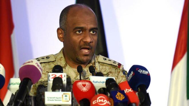 Asiri, Yemen'deki operasyonu yürüten koalisyonun sözcülüğü görevini üstlendi. O dönemde Savunma Bakanı olan Prens Muhammed'in en yakın çalışma arkadaşlarından birine dönüştü.
