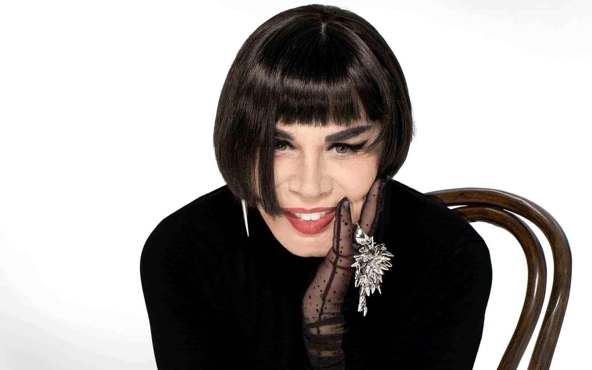 Sezen Aksu, Türkiye'nin en çok dinlenen kadın sanatçısı.