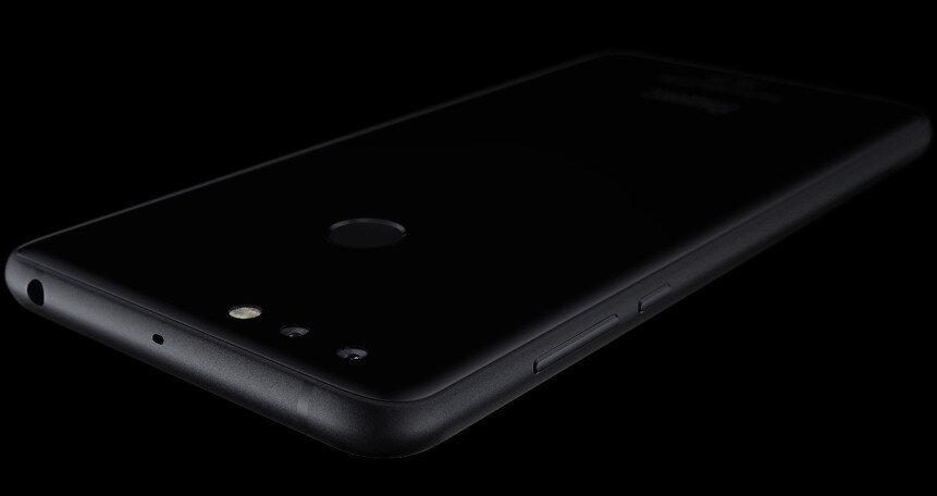Yandex.Phone şık bir tasarıma sahip.