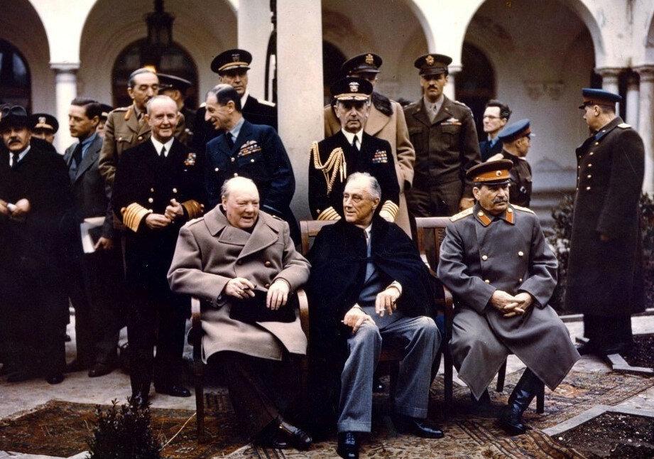 4 Şubat 1945 - 11 Şubat 1945 tarihleri arasında SSCB'nin önemli tatil mekanlarından olan Yalta'da Winston Churchill, Franklin D. Roosevelt ve Josef Stalin'in katıldığı konferans savaş sonrası Nazi Almanyası'nın kaderini tayin etti.