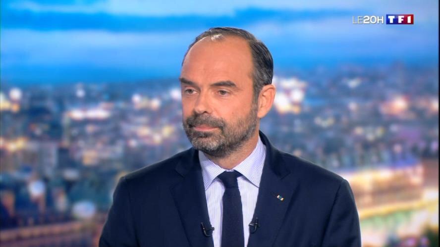 TF1 televizyonuna konuşan Philippe, 'Amaçları protesto etmek değil yıkmak olan insanlarla karşı karşıyayız ve onlara hüküm sürme izni vermeyecek araçlara sahibiz' diye konuştu.