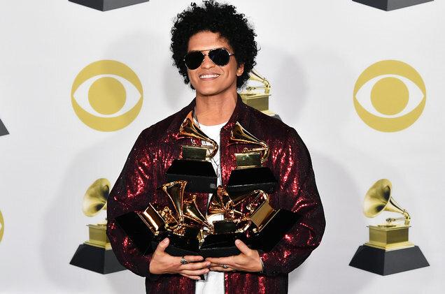 Bruno Mars, geçtiğimiz yıl Grammy Ödüllerini silip süpürmüştü.