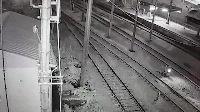 Tren kazasının çarpışma anı kamerada