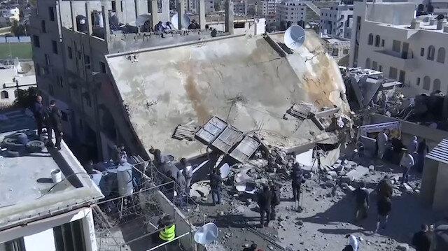 İşgalci İsrail askerleri 5 oğlu hapishanede olan annenin evini patlayıcıyla yıktı