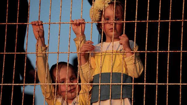 'İsrail'de kaçırılan binlerce çocuk evlatlık verildi'