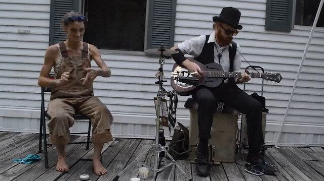 Engelli teyzenin muhteşem müzik performansı