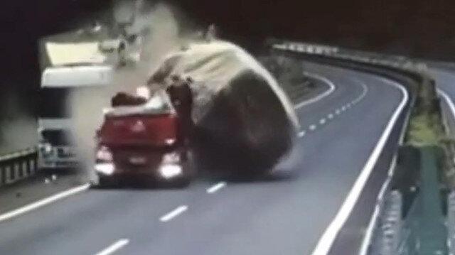 Dikkatsiz kamyon şoförünün korkunç kazası kamerada