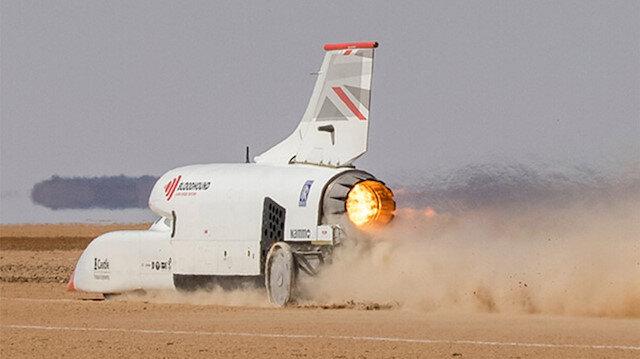 Dünyanın en hızlı arabası olmaya hazırlanan Bloodhound LSR, 1010 km/s hıza ulaştı