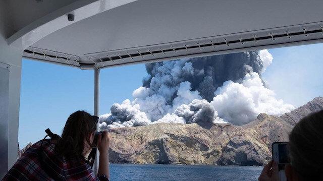 Yeni Zelanda'da Whakaari Yanardağının patladığı anlar kamerada