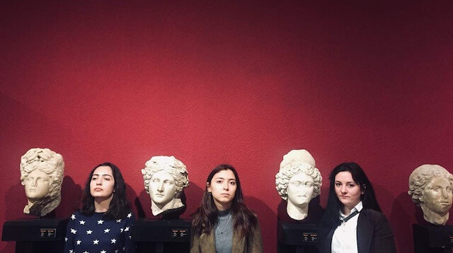 Hiç müzede bir sanat eseri oldunuz mu?