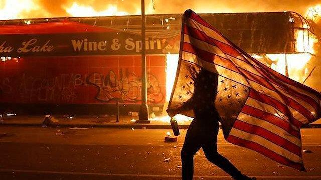 ABD'nin Minneapolis kenti alev alev yanıyor