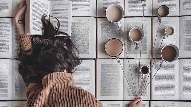 Kitabın yanına çay mı yoksa kahve mi? ☕😌