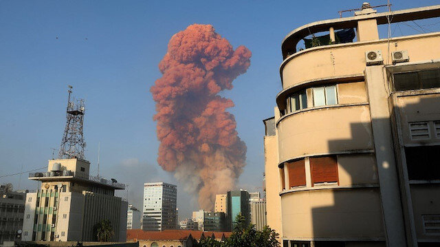 1 yıl önce bugün: Lübnan'ı sarsan şiddetli patlamadan objektiflere yansıyanlar