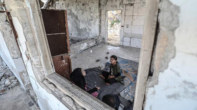 Kamplarda barınamayan Suriyeliler cephe hattındaki evlerine geri dönüyor