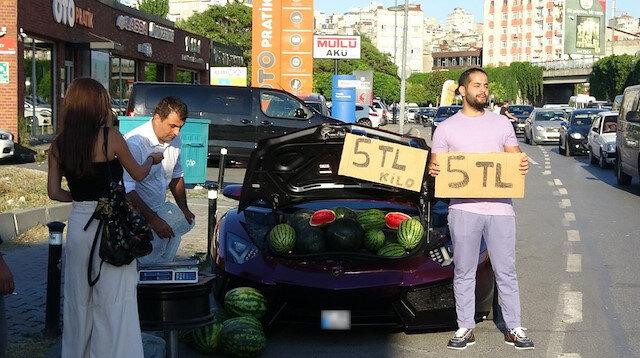 Görenler şaştı kaldı: Lüks otomobilde kilosu 5 liradan karpuz sattı