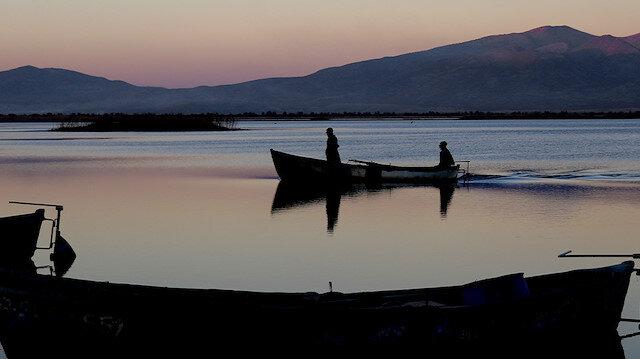 Mavi ve kızıl sakinliğin adresi: Suğla gölü