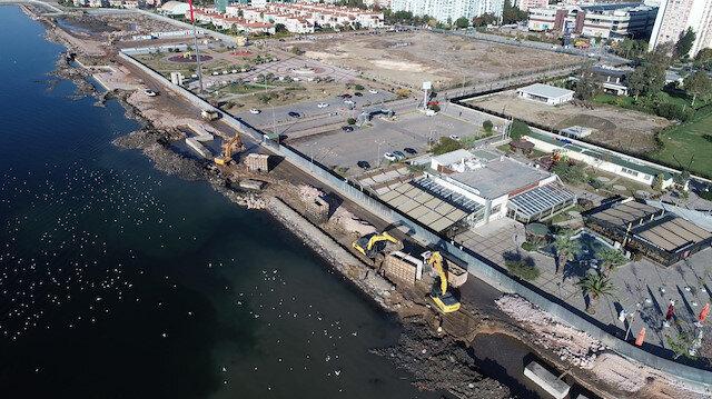 İzmir'de sele karşı sahile 300 metrelik set çekildi