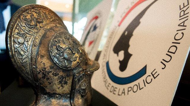 Louvre Müzesi'nden çalınan tarihi eserler 38 yıl sonra bulundu
