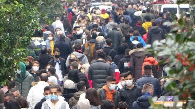 Taksim ve İstiklal Caddesi'nde yine yoğunluk yaşandı