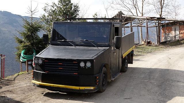 Hurda otomobil parçalarıyla kamyonet yaptı: Bir ton yük taşıyabiliyor