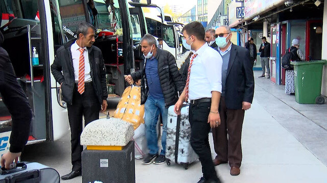 İstanbul'dan kaçış: Otogara akın ettiler, biletler tükendi