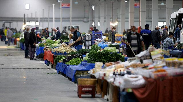 Pazar yerleri açıldı: Sadece yaş sebze ve meyve satılıyor