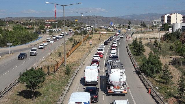43 ilin bağlantı noktasında trafik kilit
